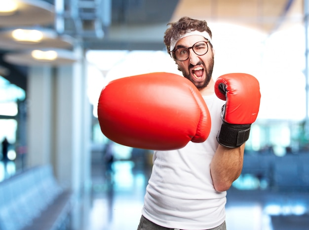 Crazy man sport espressione arrabbiata