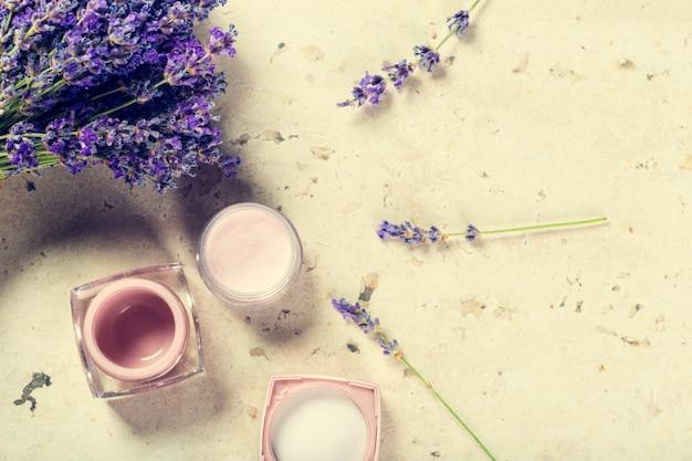 Crema viso naturale alla lavanda