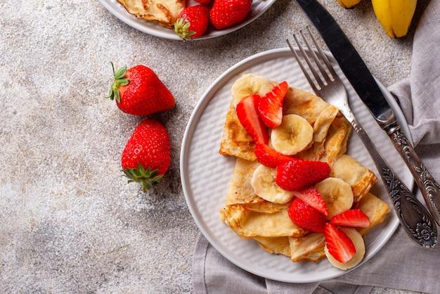 Crepes con fragole e banana