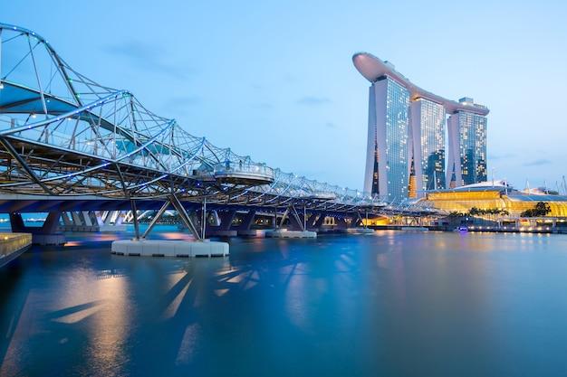 Crepuscolo dell'orizzonte di singapore