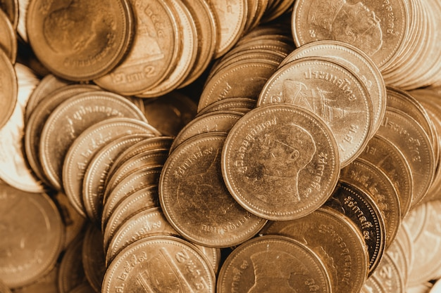 Crescente colonne di monete, pile di monete