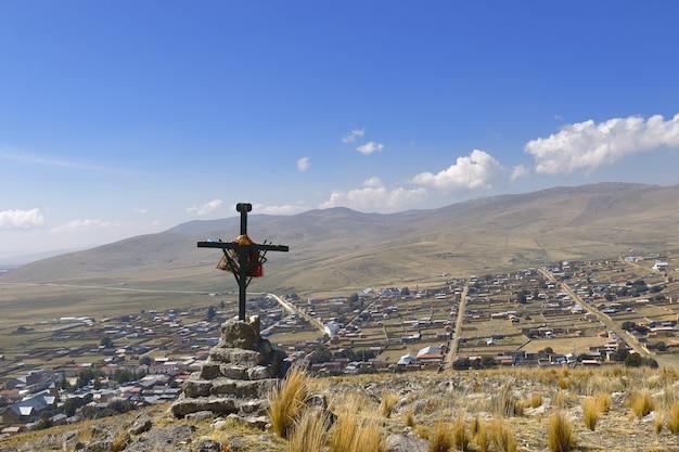 Croce di maggio sulla città di ondores