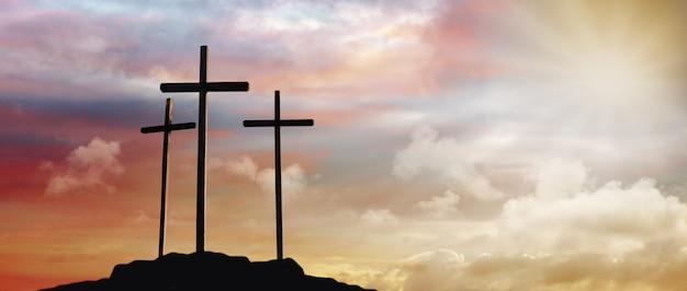 Crocifissione di gesù cristo all'alba