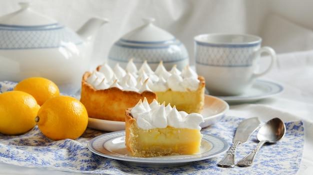 Crostata al limone con merengue
