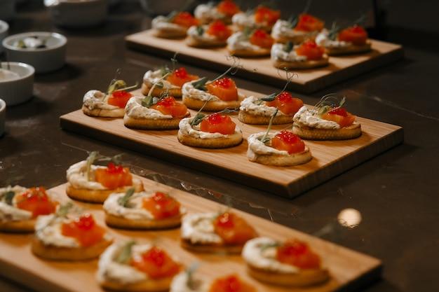 Crostini deliziosi come piatto dell'evento