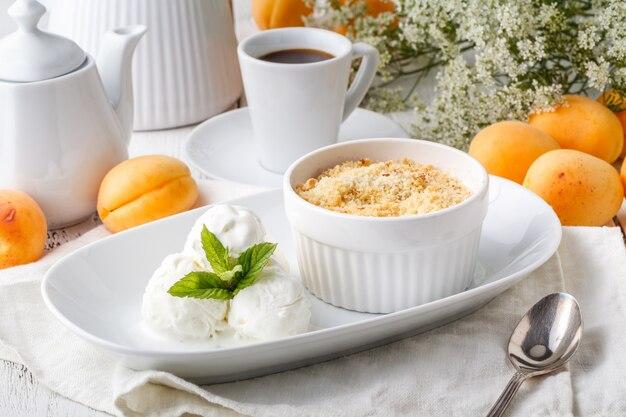 Crumble di frutta per una sana colazione