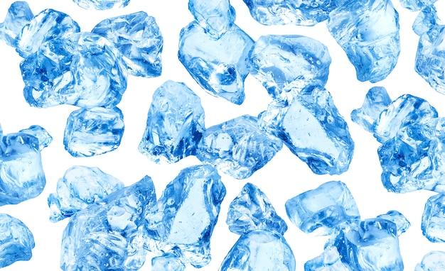 Cubetti di ghiaccio naturali su bianco