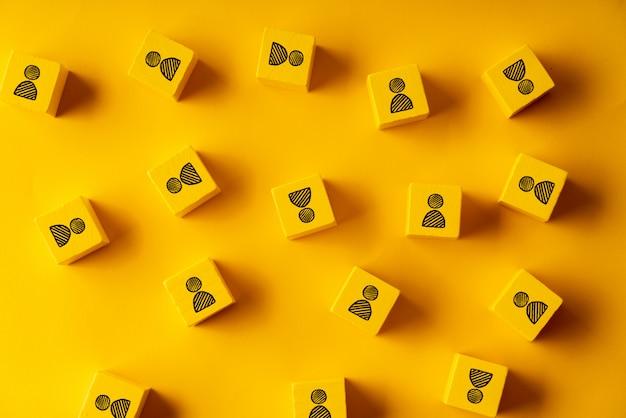 Cubo colorato puzzle business & risorse umane