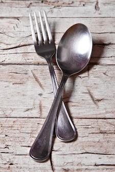 Cucchiaio e forchetta d'epoca