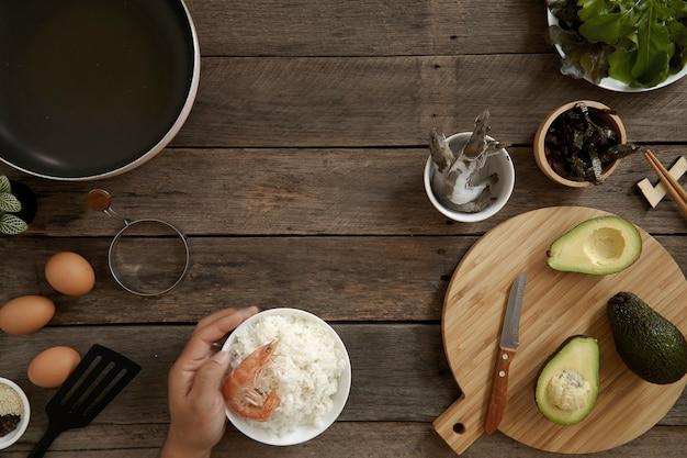 Cucina di avocado hawaii poke bowl