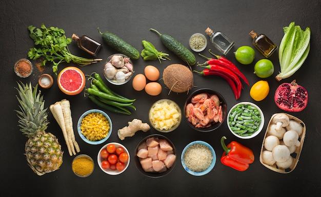Cucina tailandese, tor kor, alimento, alimento tailandese, cucina cambogiana, pollo tailandese del basilico, pasta di curry, autentico, tailandia