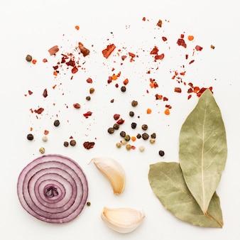 Cucinare gli ingredienti delle spezie