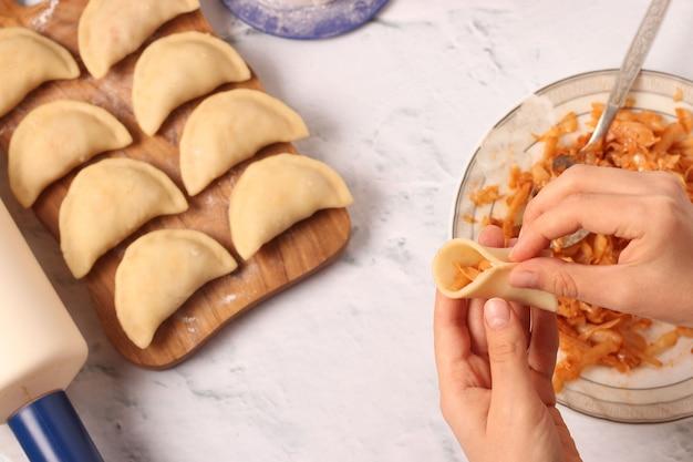 Cucinare gnocchi con cavolo a casa