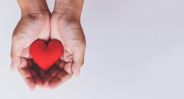 Cuore a portata di mano per la filantropia