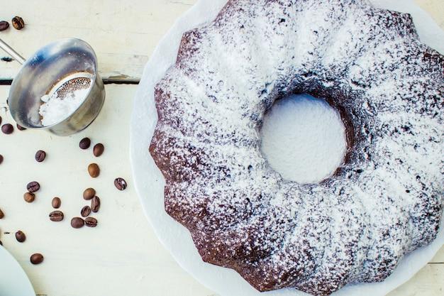 Cupcake al cioccolato con caffè. messa a fuoco selettiva