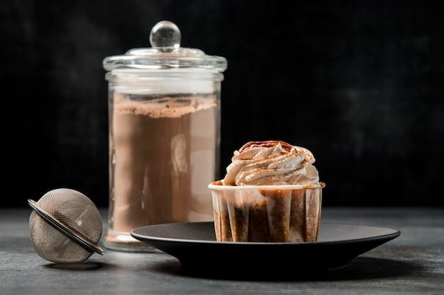 Cupcake close-up con cannella