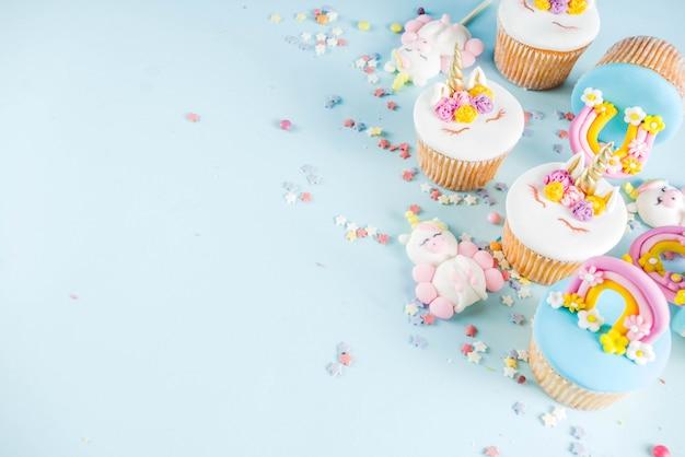 Cupcakes di unicorno carino