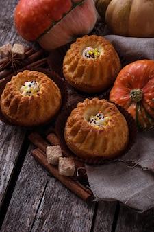 Cupcakes fatti in casa zucca spezia. messa a fuoco selettiva