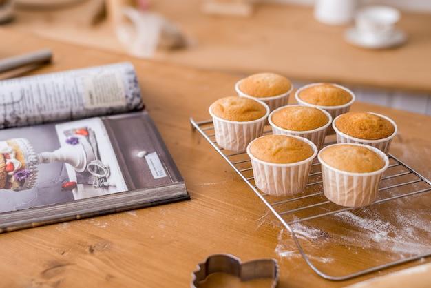 Cupcakes sul tavolo della cucina