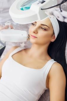 Cura del corpo, depilazione laser, trattamento di epilazione