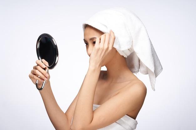 Cura della pelle della donna asiatica di bellezza, bellezza