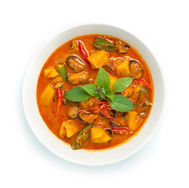 Curry di ananas con ingredienti di cozze curry rosso