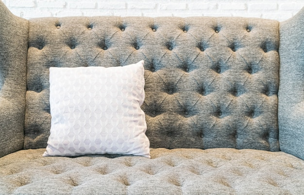 Cuscino sul divano decorazione in salotto
