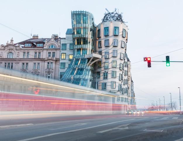 Dancin houses con tram passing