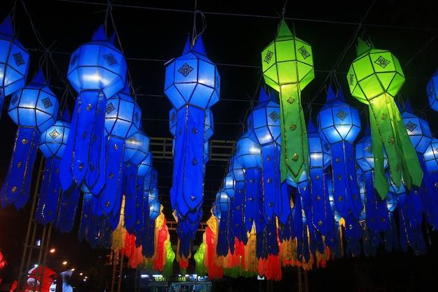 Decorazione di festival di lanterna di lanna, festival di krathong loy, chiang mai, tailandia