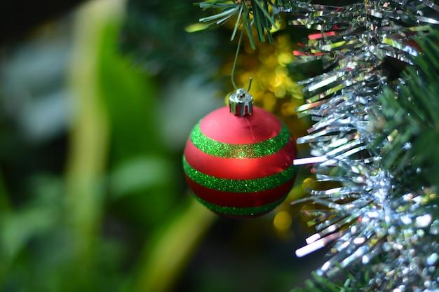 Decorazione di ornamenti di natale per il giorno di natale