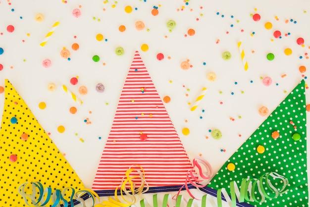 Decorazioni colorate di compleanno