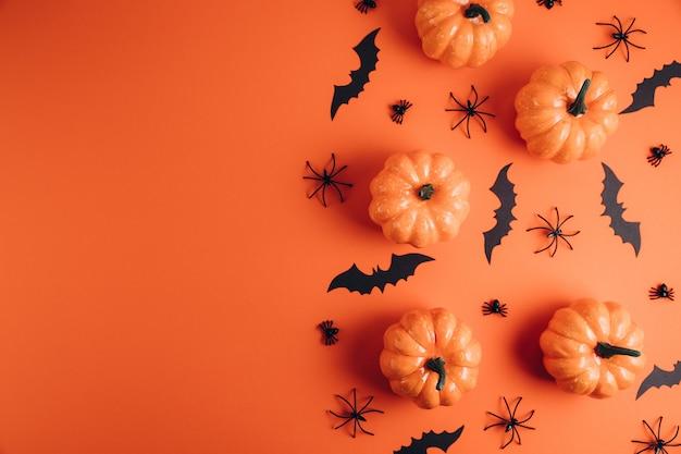 Decorazioni di halloween sull'arancia