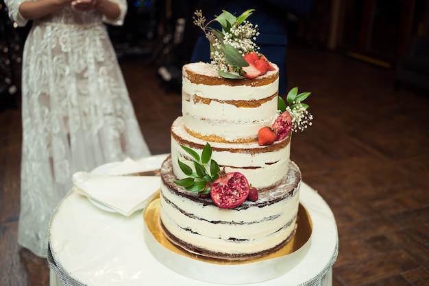 Decorazioni gustose per matrimoni o compleanni. barretta di cioccolato. tavolo dolce