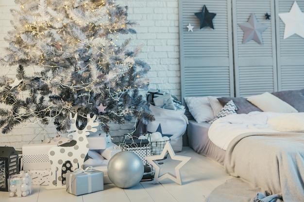 Decorazioni natalizie accogliente camera da letto interier