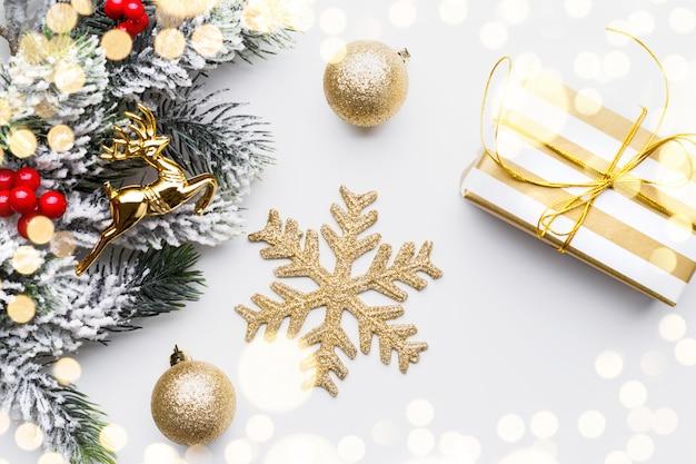 Decorazioni natalizie in oro