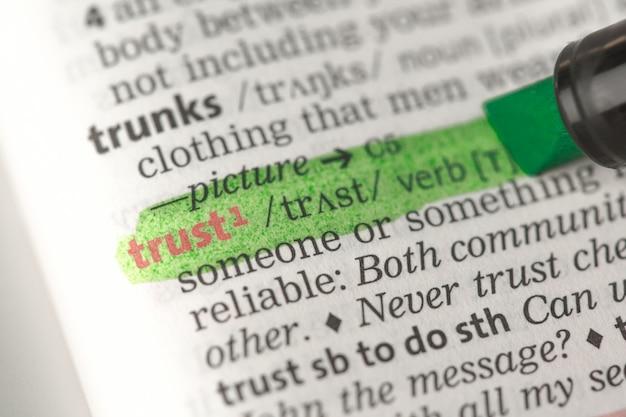Definizione di fiducia evidenziata in verde