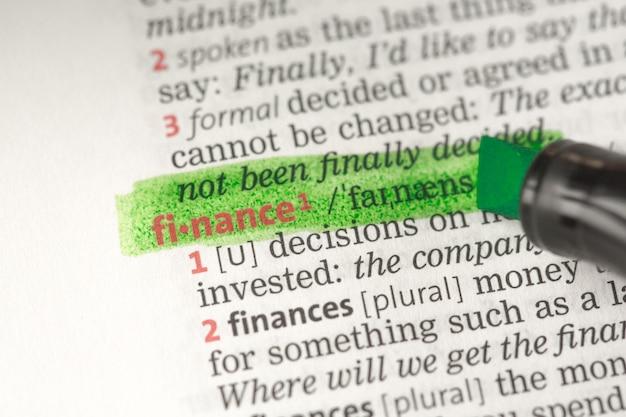 Definizione di finanza evidenziata in verde