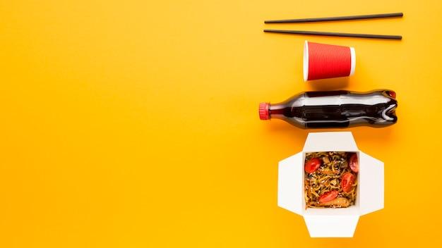 Delizie di fast food con spazio di copia