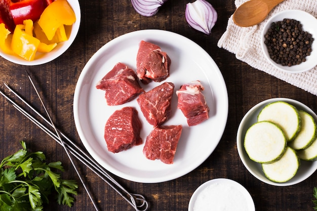 Deliziosi fast food arabi pezzi di carne vista dall'alto