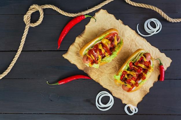 Deliziosi hot dog fatti in casa