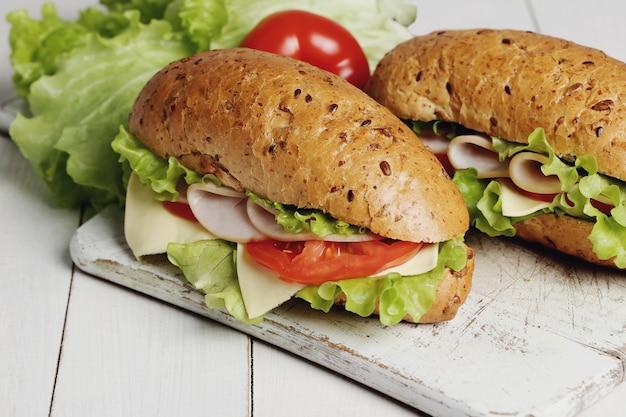 Deliziosi panini con lattuga