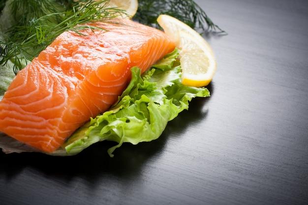 Delizioso filetto di salmone, ricco di olio omega 3