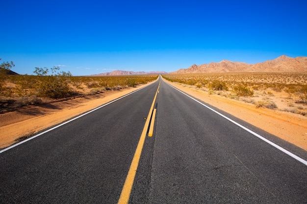 Deserto del mohave da route 66 in california usa