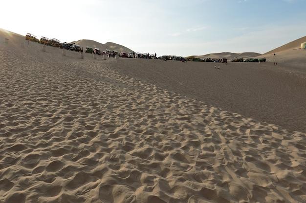 Deserto di ica imponente grande e infinito visto dalla huacachina