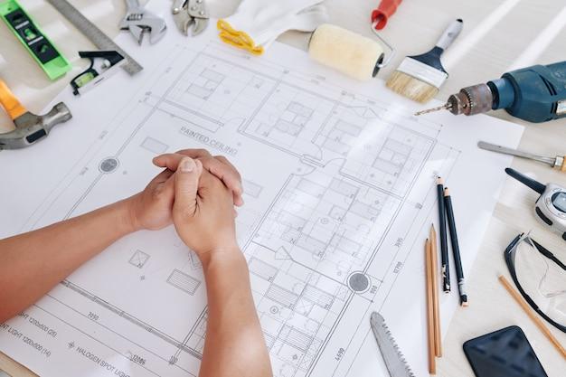 Desk di ingegnere edile