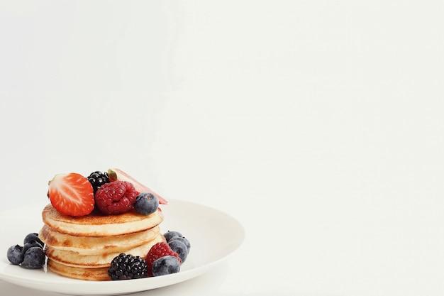 Dessert dei pancake su una tabella