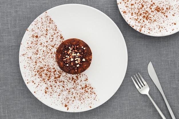 Dessert delizioso di vista superiore su un piatto