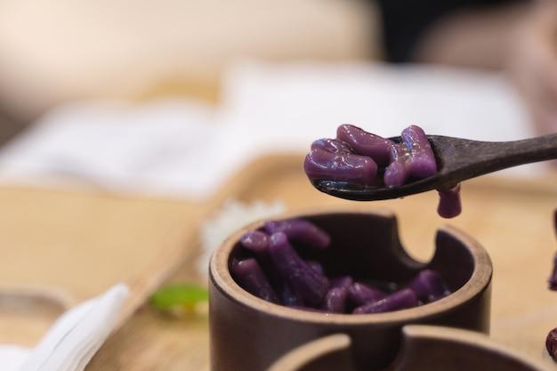 Dessert di palla di patate dolci taro