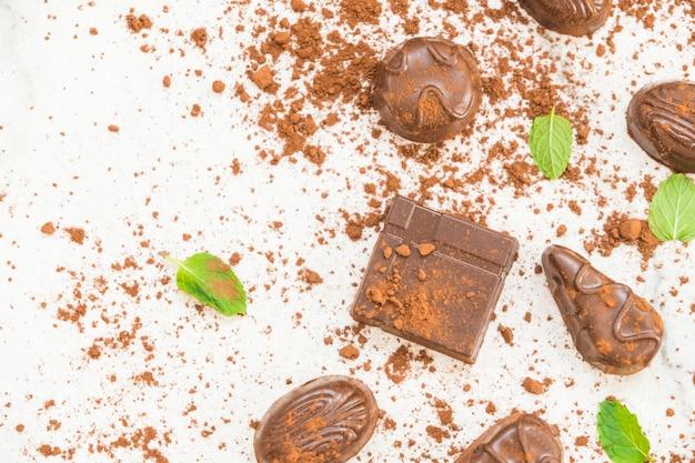 Dessert dolce con cioccolato fondente