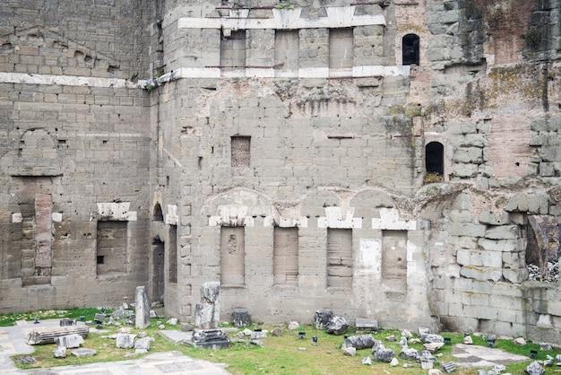 Dettagli dei fori imperiali a roma, italia